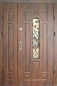 Двустворчатые полуторные входные двери Редфорт(Redfort)  Арка со стеклом и ковкой 120 см. винорит на улицу