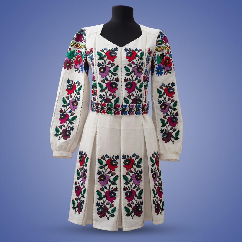 """Вышитое платье  """"Мальва"""""""