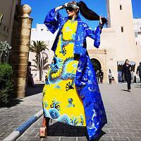 Сукня-халат з коміром-стійкою і драконом морської води