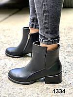 Ботинки женские кожаные черные на каблуке, фото 1