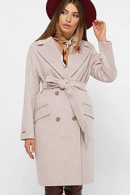 Світле пальто прямого силуету 44