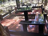 Памятник с гранитным благоустройством, плитка лезник