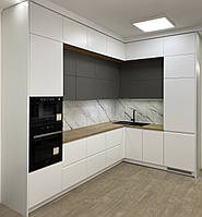 Кухня біла в два яруси середина сіра,стільниця під дерево, фото 1