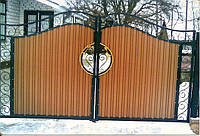 Ворота из прфнастила