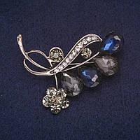 Брошь Веточка с Цветочком в кристаллах, серебристый металл 43х50мм купить оптом в интернет магазине