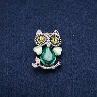 Брошь Сова с кошачим глазом и зелеными кристаллами серебристый металл 19х28мм купить оптом в интернет магазине