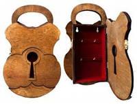 Ключница колодка, дерево (36х22х7)