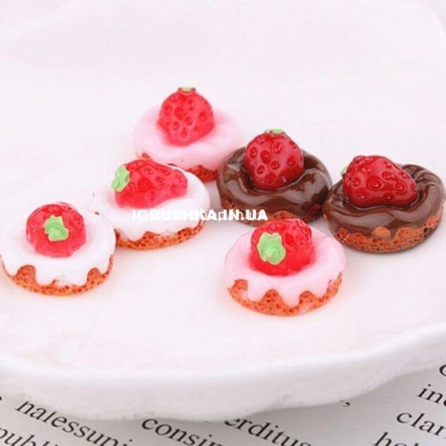 Шарм «Пончик с клубникой» для слайма