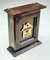 """Настенная ключница из дерева ручной работы """"Home"""" на шесть крючков."""