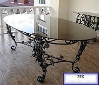 Замечательной  красоты кованой столик