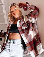 Женская теплая рубашка оверсайз в клетку с карманами на груди 68BL400, фото 1