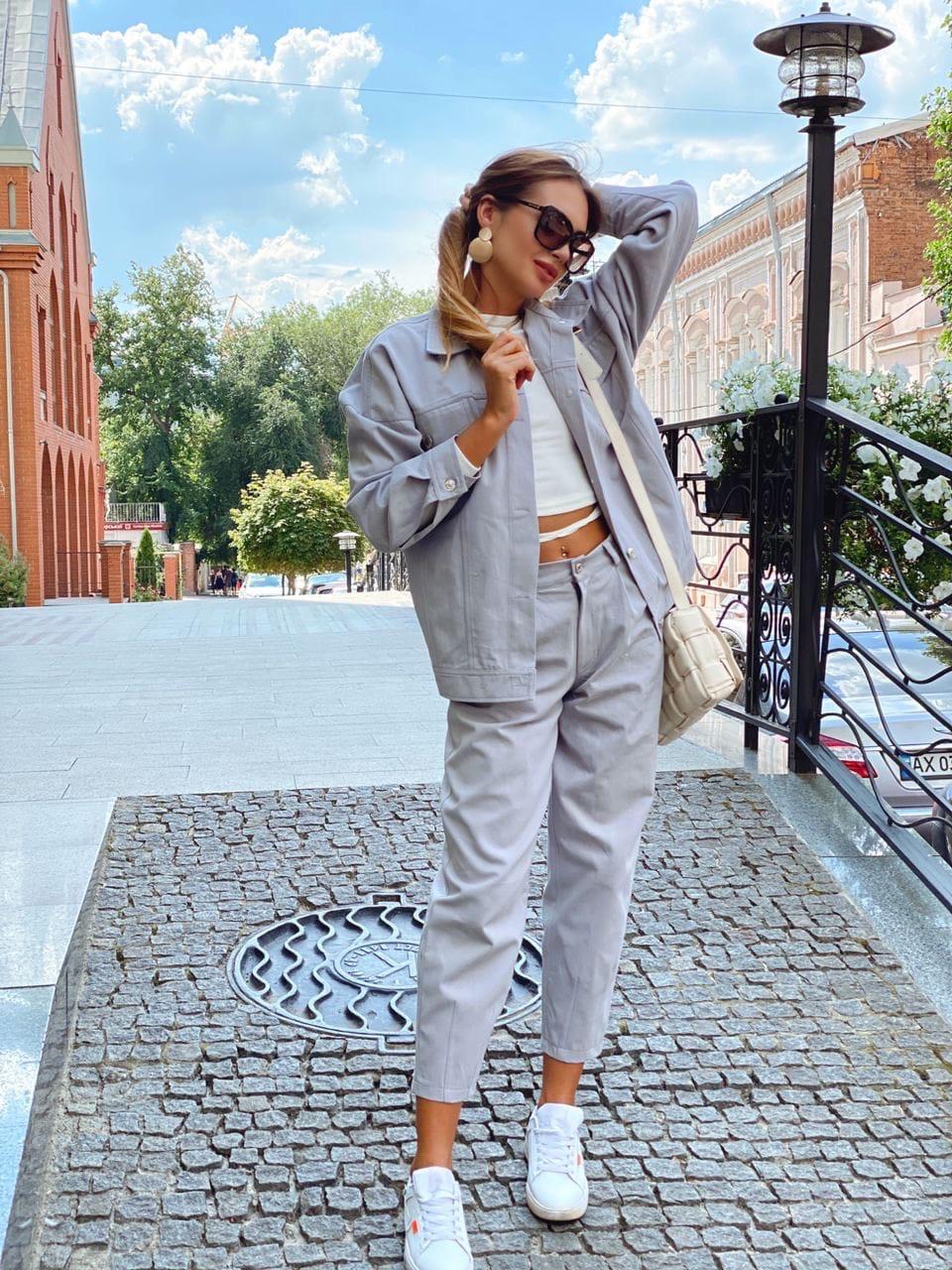 Женский костюм - двойка джинсы и свободная куртка 36ks1374