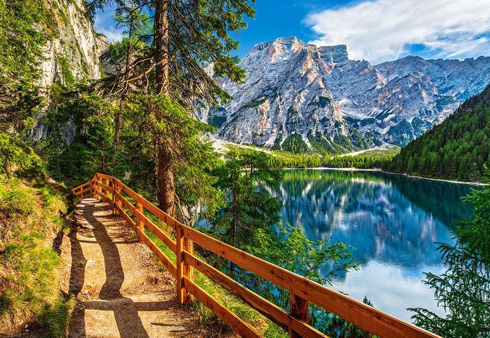 Пазлы Castorland 1000 элементов, 68х47 см, в коробке, Озеро Брайес, Италия (природа, горы, пейзажи, озеро)