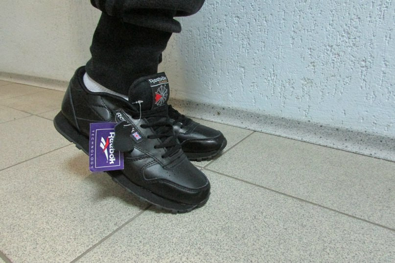 Женские кроссовки Reebok черные 837-1 кожа код 804а - Интернет-магазин