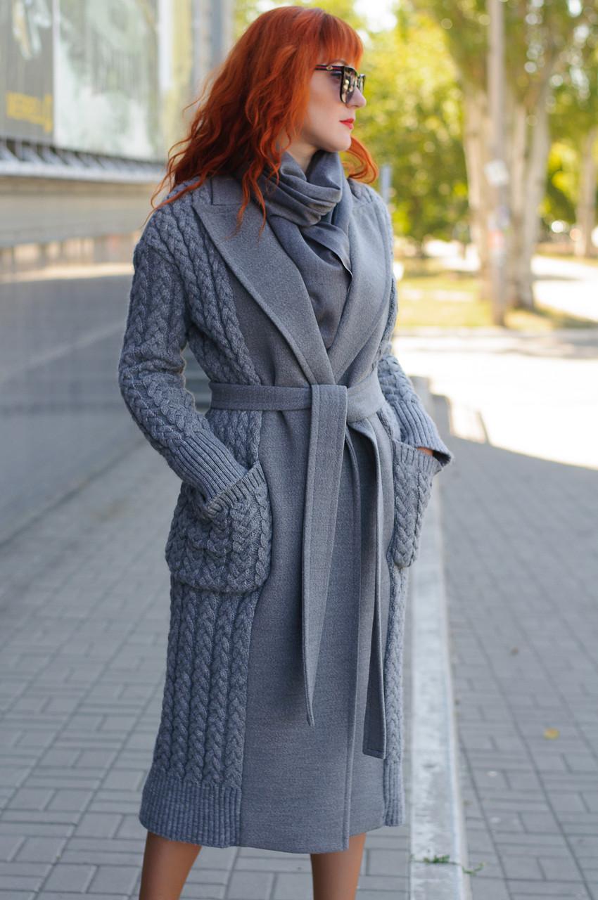 Стильное демисезонное пальто-халат с вязанными вставками  Ricco Селин