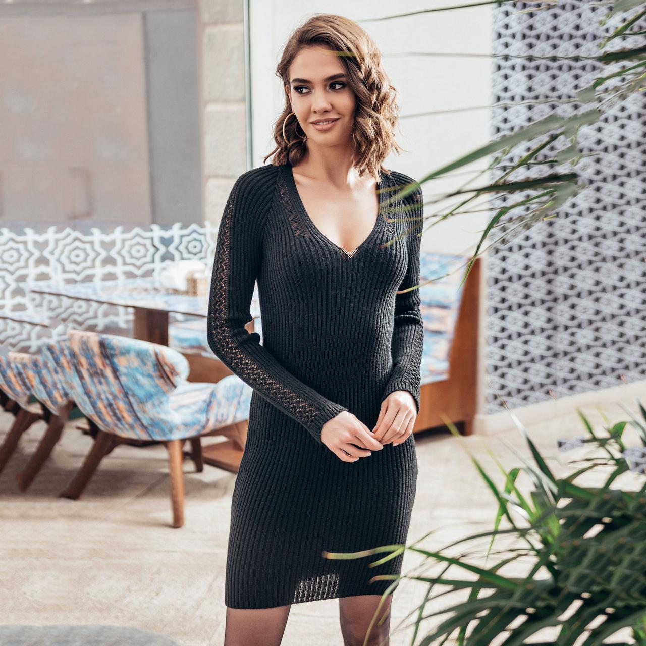 Платье с красивым декольте Грэйс черное