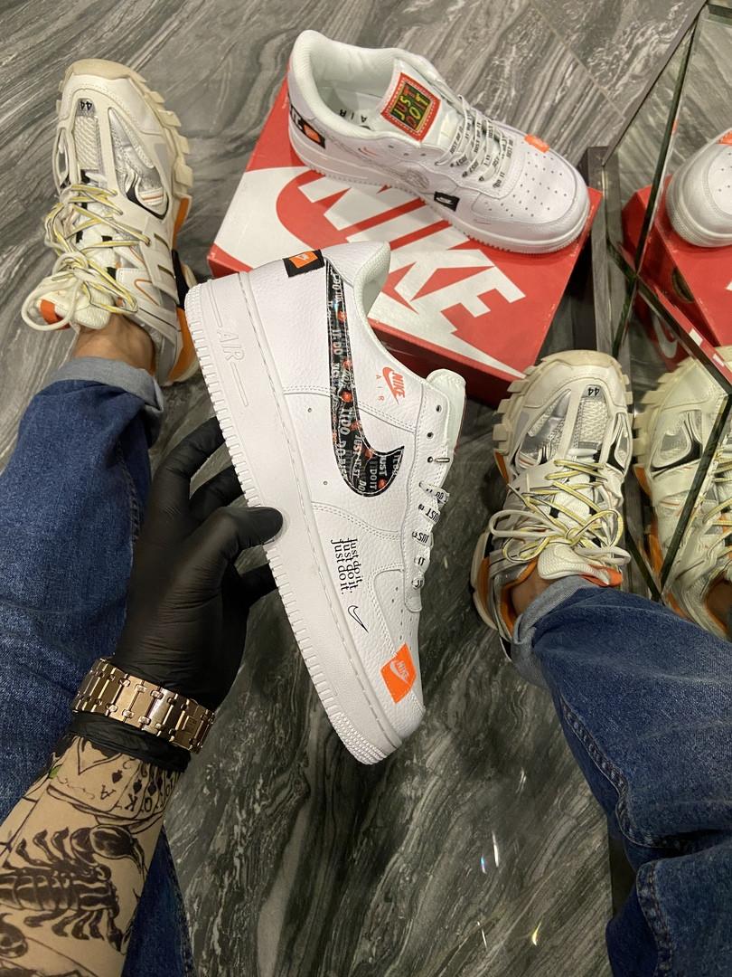 Чоловічі і жіночі кросівки Nike Air Force Just Do It Pack White/Black.