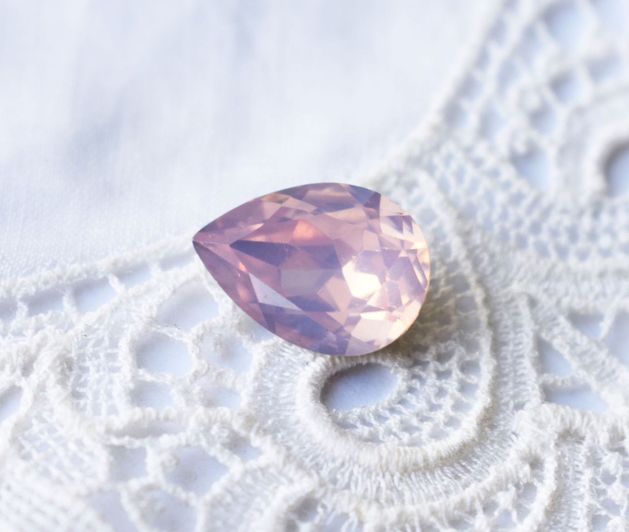 Стразы Капля 10х14 мм, бледно-розовый опал