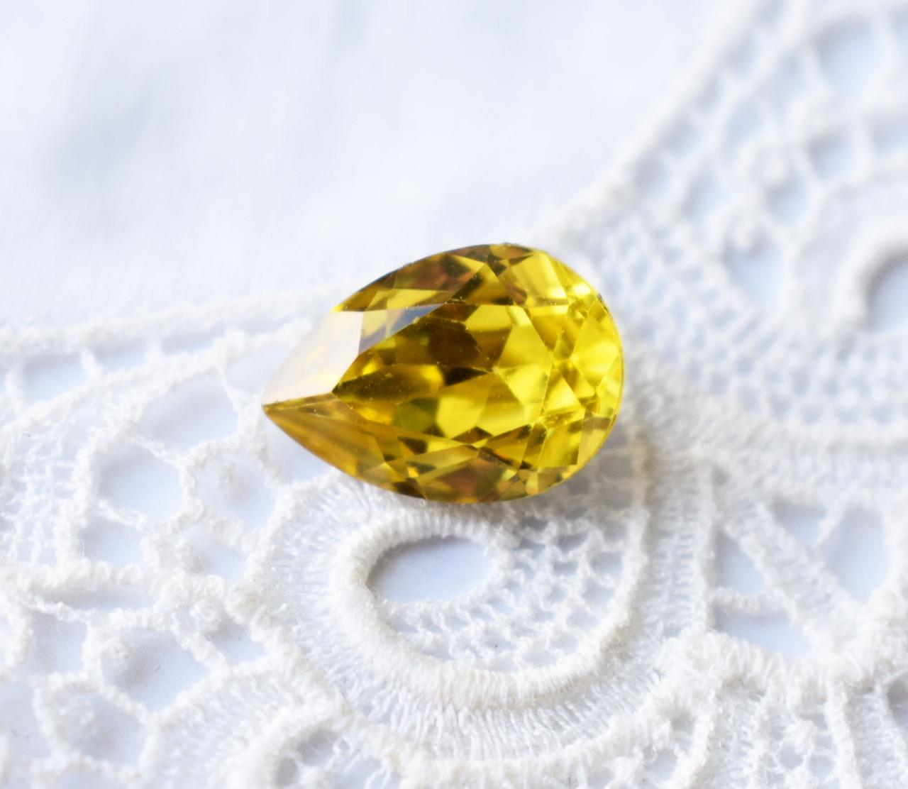 Стрази Крапля 10х14 мм, жовтий
