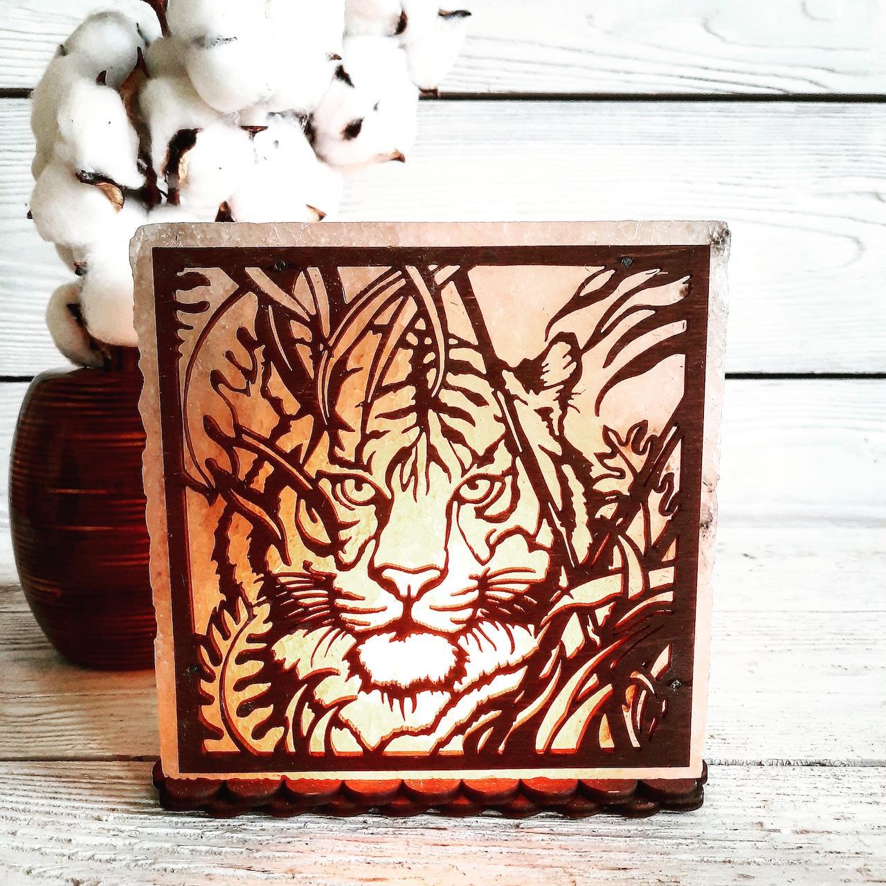 Соляна лампа SaltLamp Тигр в джунглях 3-4 кг