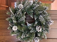 Віночок Різдвяний на двері/VIP шишка.З штучним снігом та дивими шишками/Литі гілки та пвх