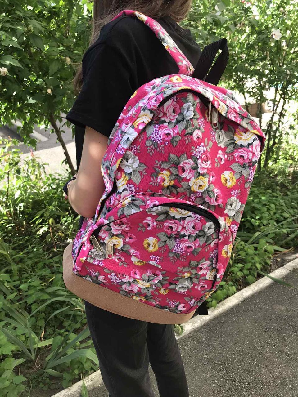 Рюкзак сумка в цветочках розы розового цвета