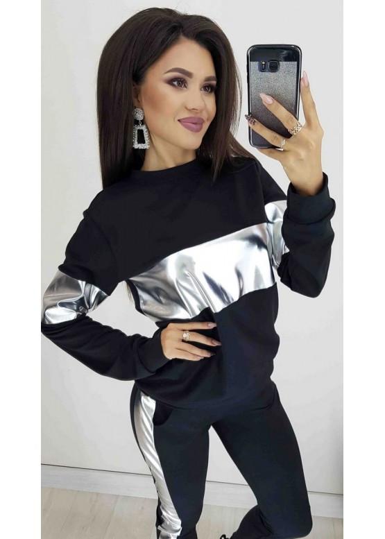 Женский модный костюм черного цвета с серебристыми вставками