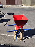 Ручная дробилка для винограда (до 180 кг/час)