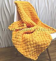 Плед детский вязанный из пряжи Alize puffy (желтый) 80 на 80