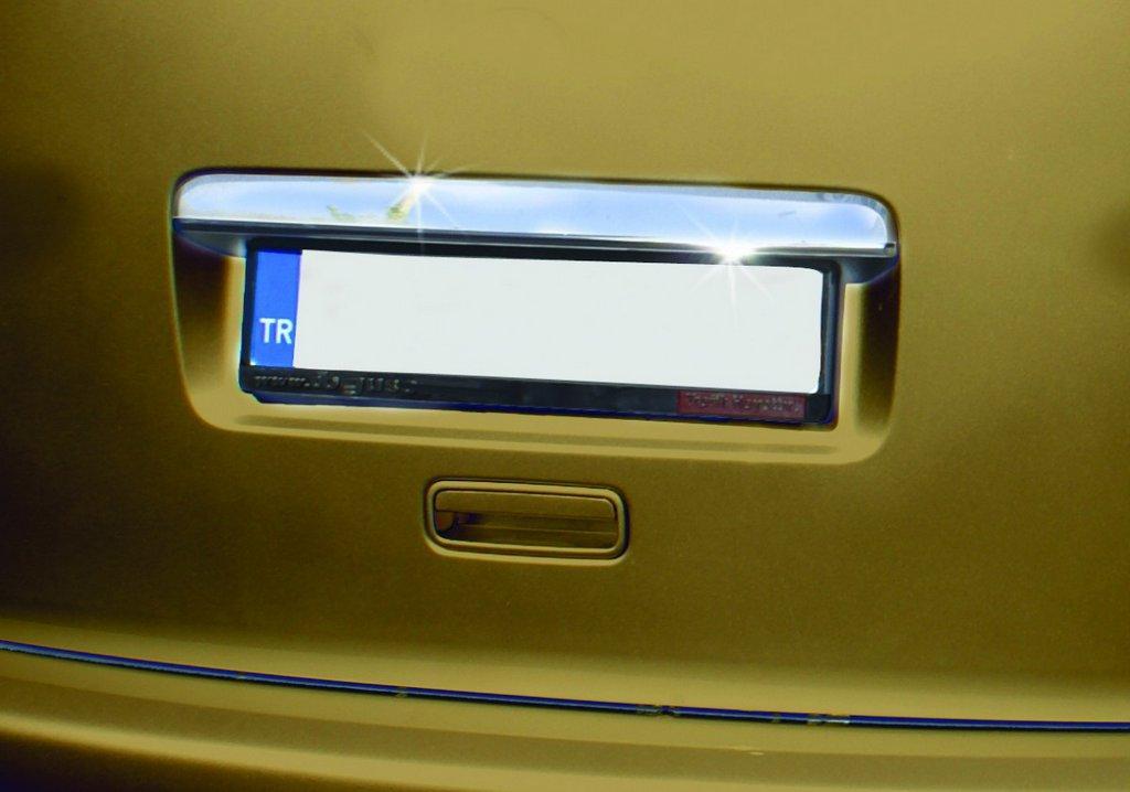 Volkswagen Caddy 2010 Накладка над номером нерж. (ляда) Прямая Фольксваген Кадди