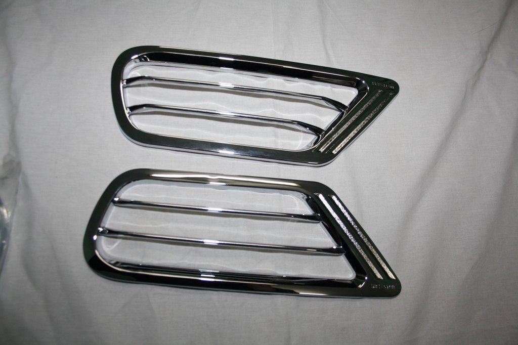 Накладки на задние воздуховоды (2 шт, пласт) Toyota LС 100 Тойота Ленд Крузер 100