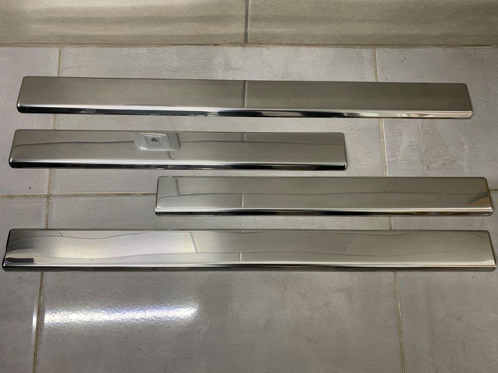Накладки на пороги (Carmos, 4 шт, нерж) Mercedes E-klass W210 Мерседес Бенц E-klass W210