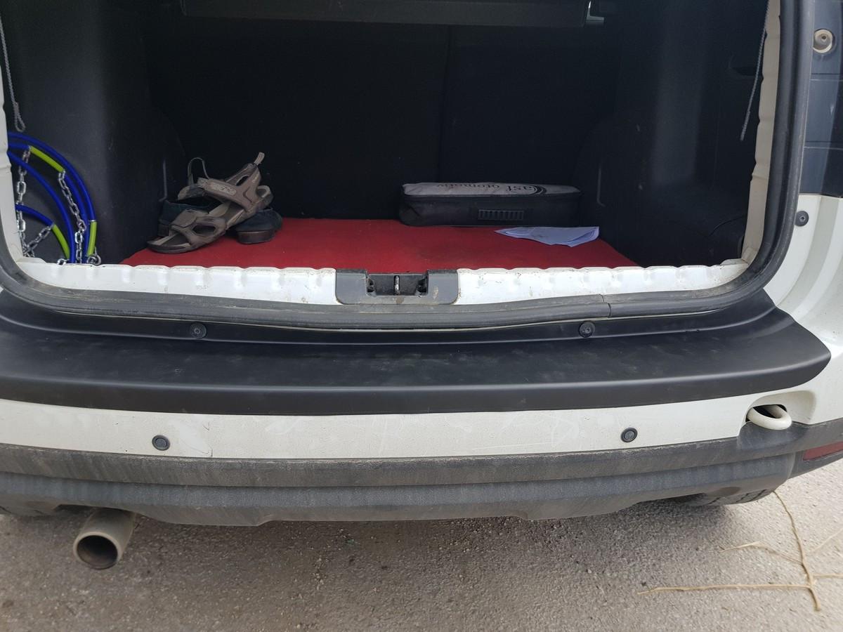 Накладка на задний бампер EuroCap (ABS) Dacia Duster 2008-2018 гг. Дачиа Дастер