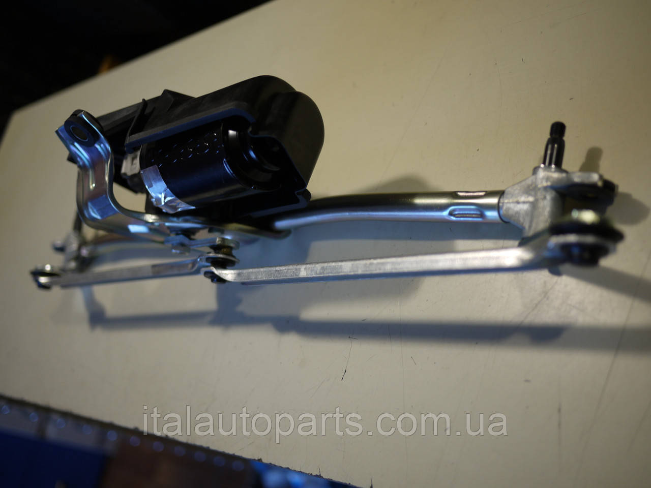 Механизм переднего стеклоочистителя Добло