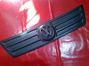 Зимняя накладка на решетку (мат) VW CADDY 04-10 г.в.