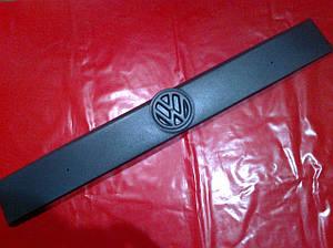 Зимняя накладка на решетку (мат) VW T4