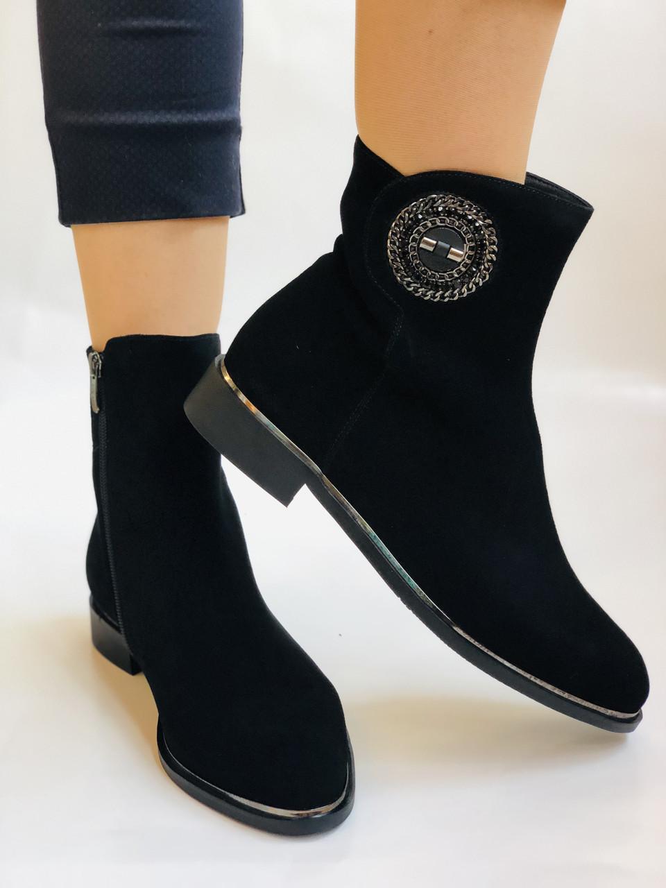 Женские ботинки. На маленьком каблуке. Натуральный замш.  Polann.  Р. 35.36.37.38.39  Vellena
