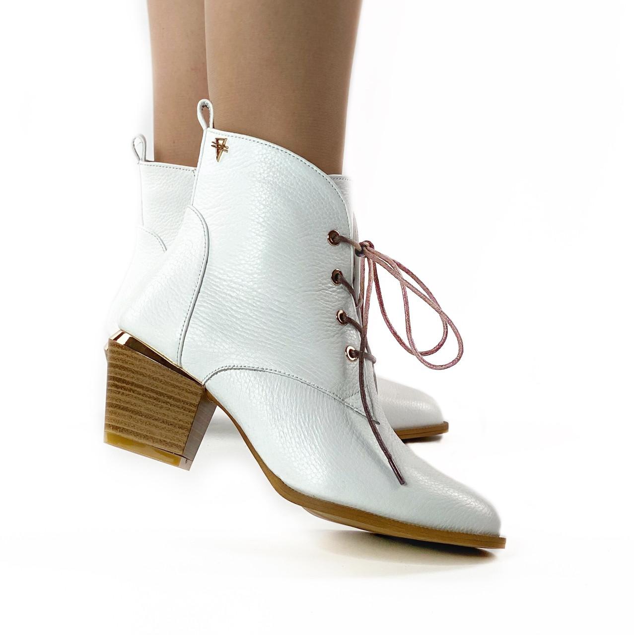 Черевики жіночі шкіряні білі на шнурках і невисокому каблуці MORENTO (весна-осінь)