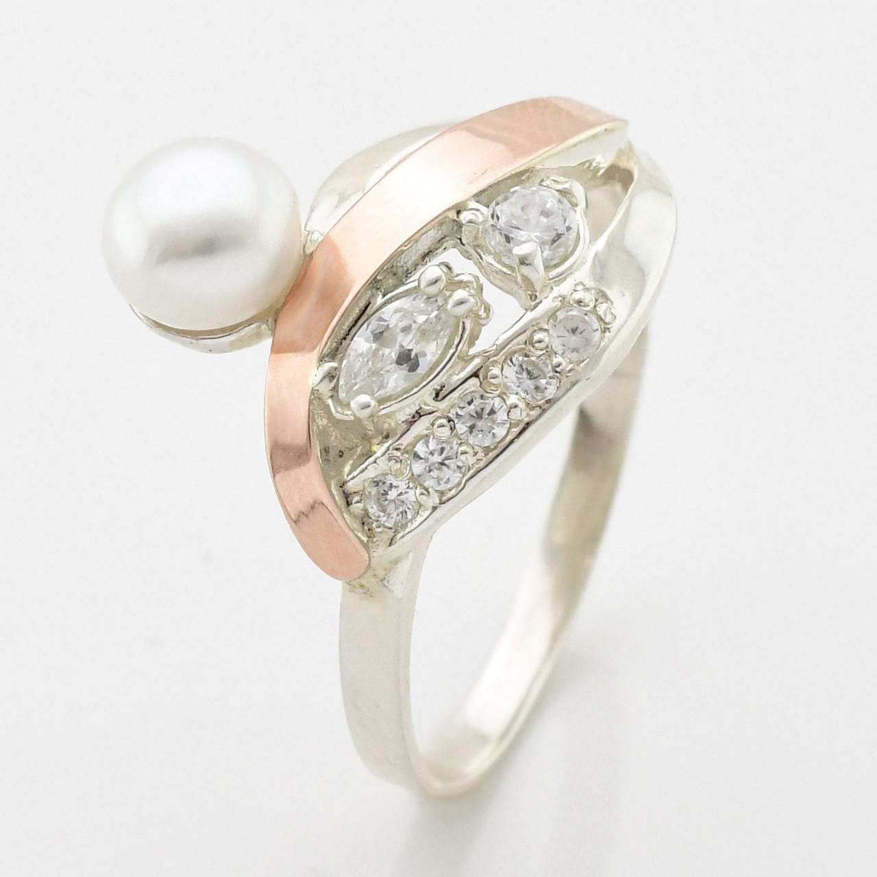 """Серебряное кольцо с золотыми пластинами """"Лора"""", вставка белые фианиты, вес 4.17 г, размер 19"""