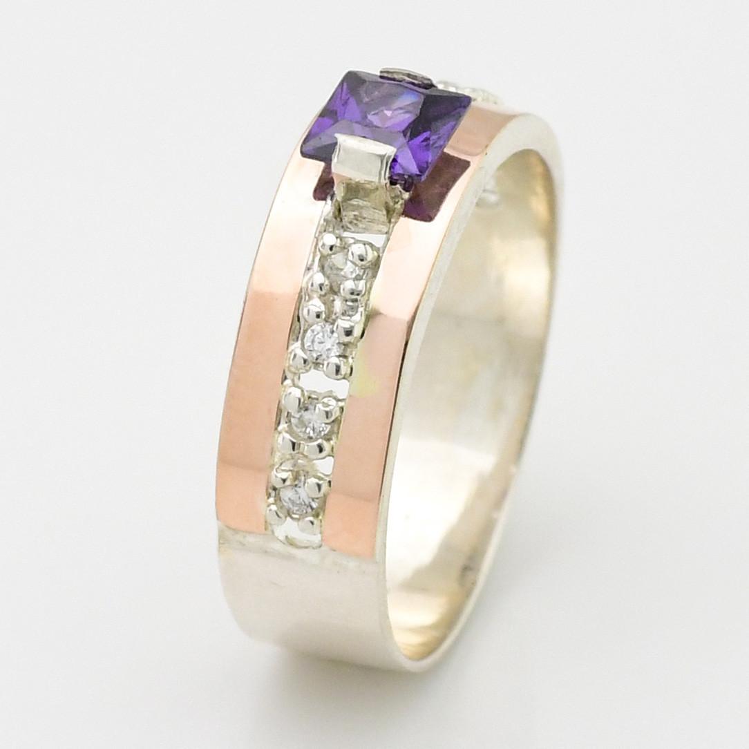 Серебряное кольцо с золотом Иллюзия вставка фиолетовый фианит  размер 21