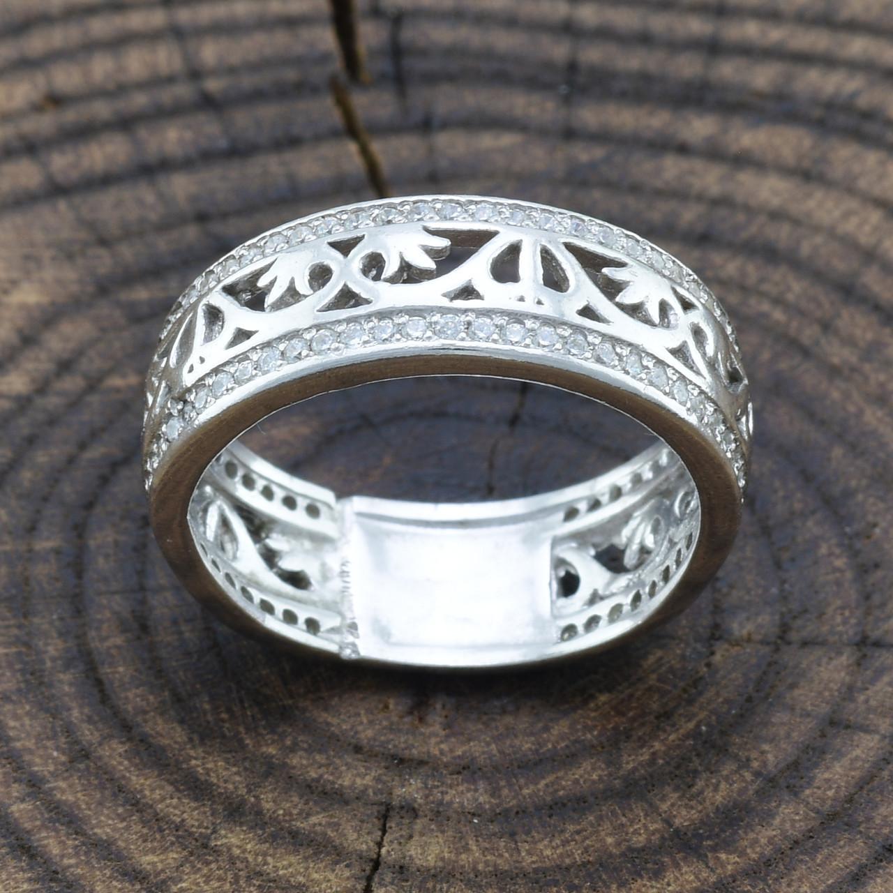 Серебряное кольцо Украиночка вставка белые фианиты вес 3.9 г размер 17
