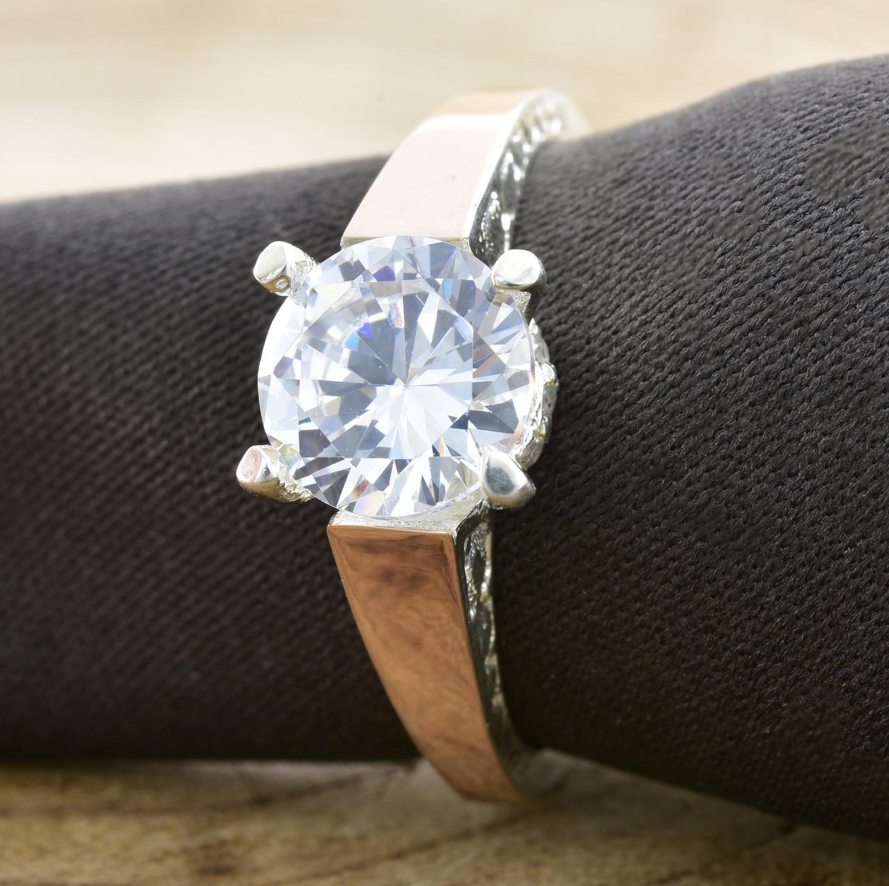 Серебряное кольцо Яна вставка белый фианит вес 3.9 г размер 19