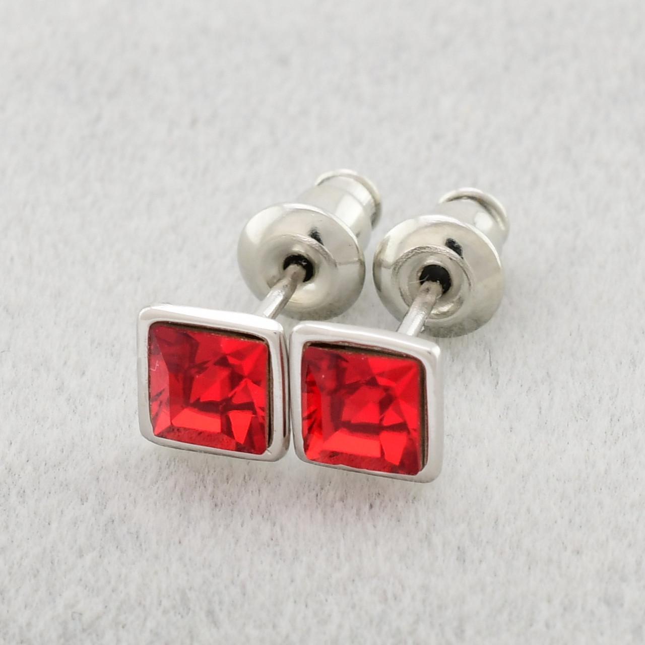 Серьги Xuping с кристаллами Swarovski 83029БЗ размер 5х5 мм цвет красный позолота Белое Золото
