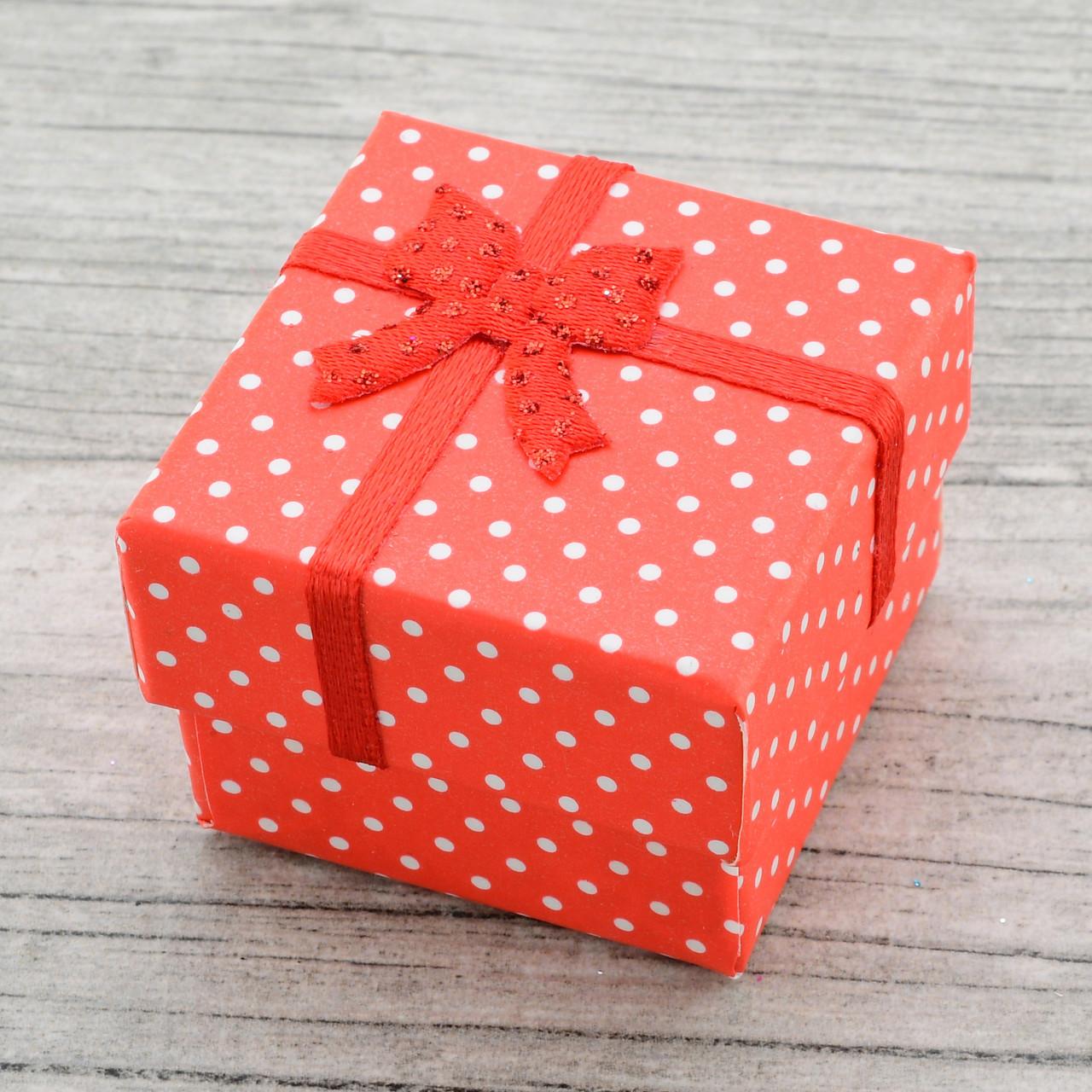 Коробочка маленькая для кольца серег красный цвет 741157 размер 4х4 см