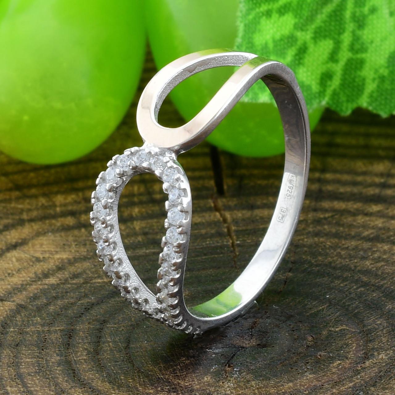 Серебряное кольцо с золотом вес 1.86 г вставка белые фианиты размер 18