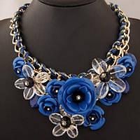 Сногсшибательное колье - нагрудник Цветы голубого цвета