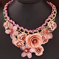 Карколомне кольє - нагрудник Квіти ніжно рожевого кольору