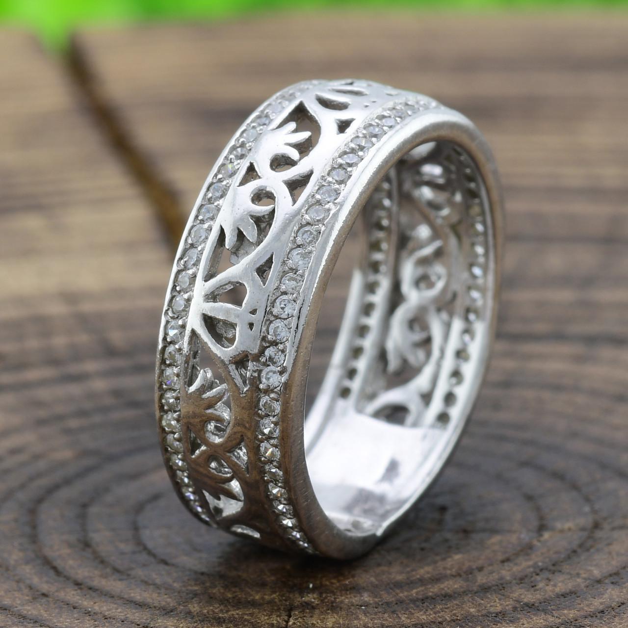 Серебряное кольцо Украиночка вставка белые фианиты вес 3.9 г размер 17.5