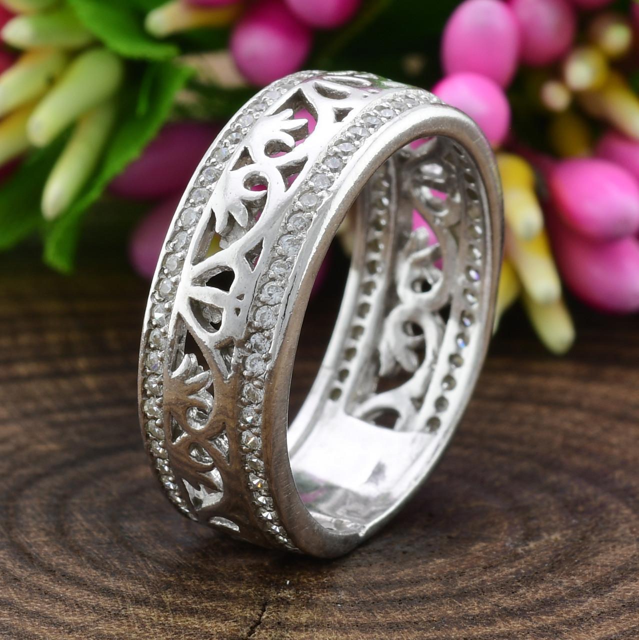 Серебряное кольцо Украиночка вставка белые фианиты вес 3.9 г размер 20.5