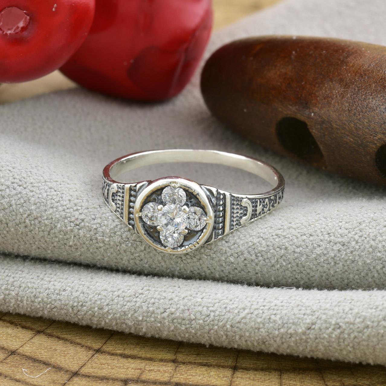 Серебряное кольцо Спаси и сохрани вставка белые фианиты вес 1.8 г размер 19.5